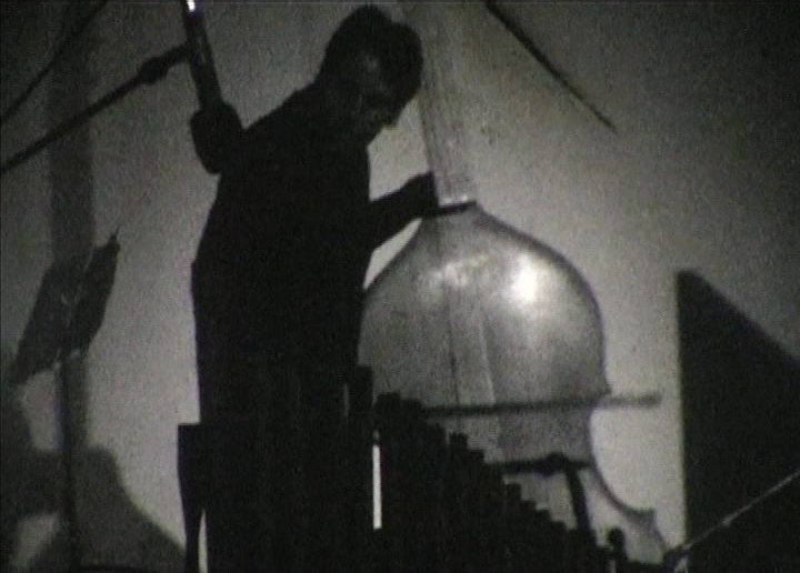 Edye Weissler, A String When Sounded Makes Many Sounds at Once, 1982, video still